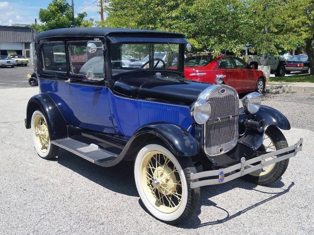 1024x768 > 1930 Ford Sedan Wallpapers