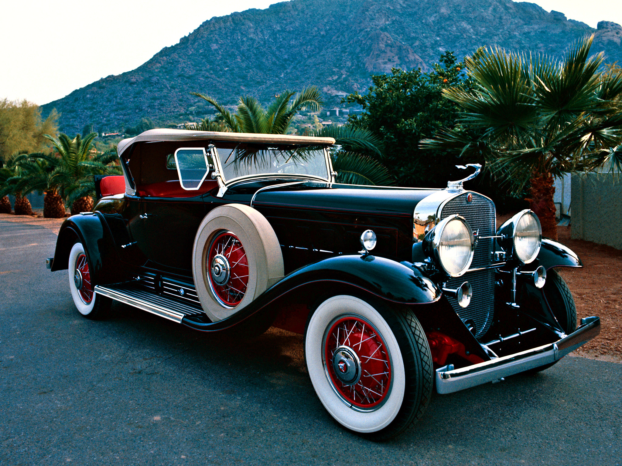 HD Quality Wallpaper | Collection: Vehicles, 2048x1536 1930 Cadillac Model 452 V16