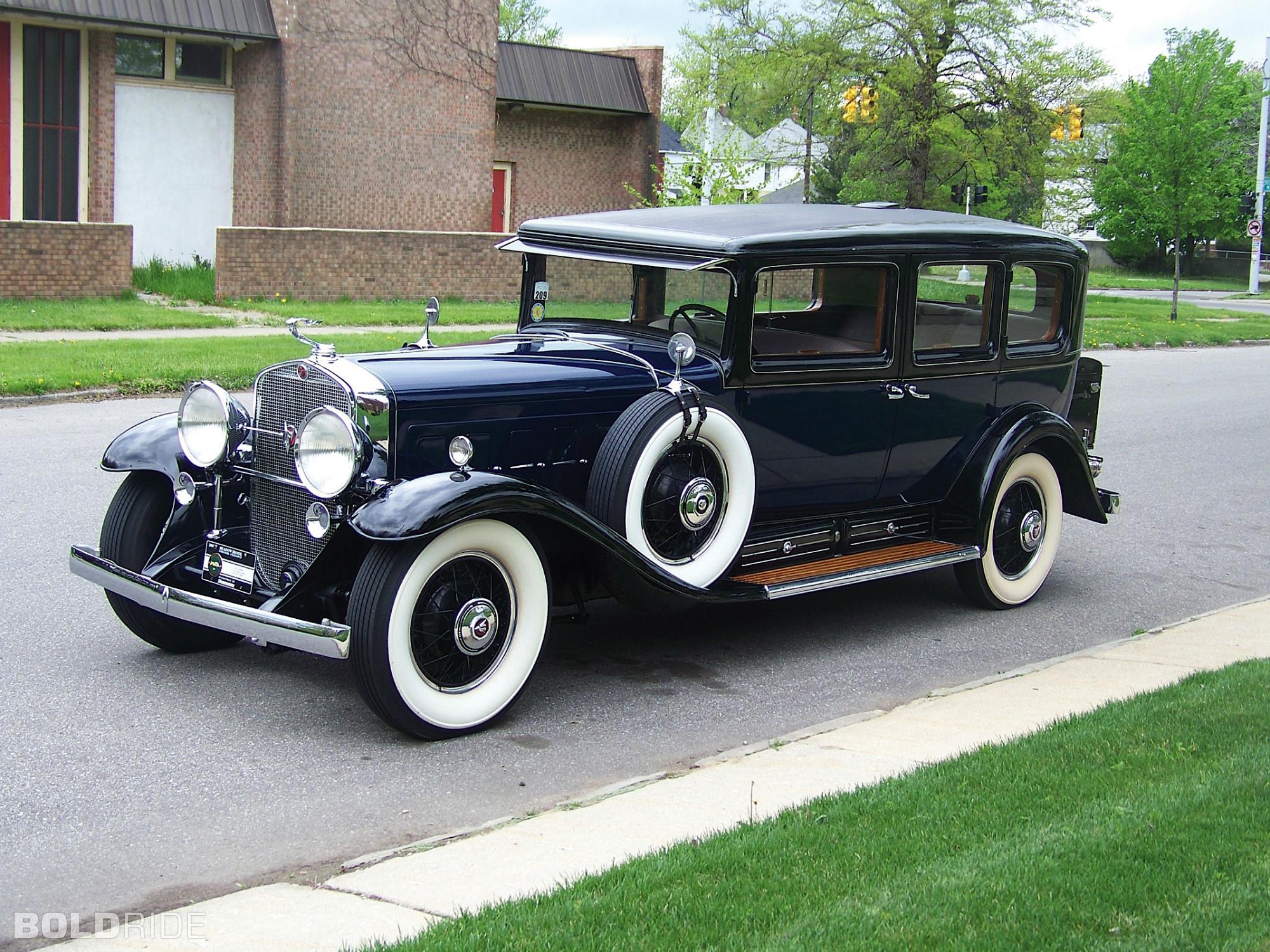 HQ 1930 Cadillac V16 Imperial Sedan Wallpapers | File 3434.69Kb