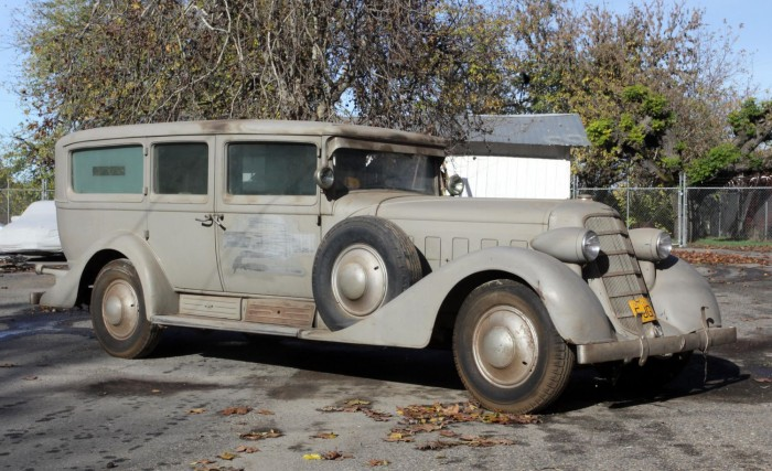 1930 Cadillac V16 Imperial Sedan Backgrounds, Compatible - PC, Mobile, Gadgets| 700x427 px