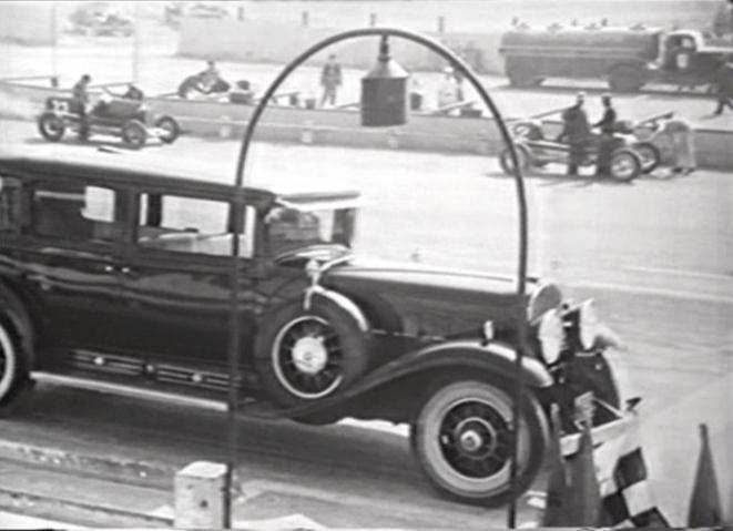 661x479 > 1930 Cadillac V16 Imperial Sedan Wallpapers