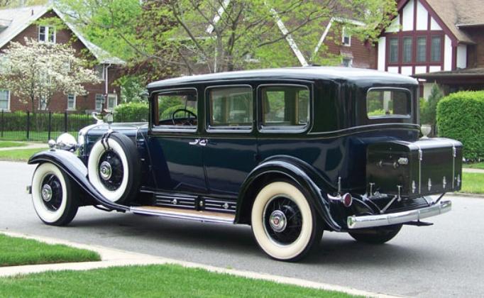 Nice wallpapers 1930 Cadillac V16 Imperial Sedan 682x420px