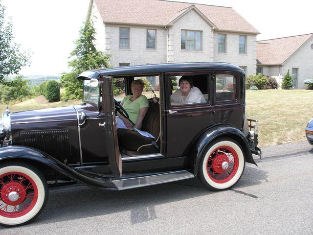 640x480 > 1930 Ford Sedan Wallpapers