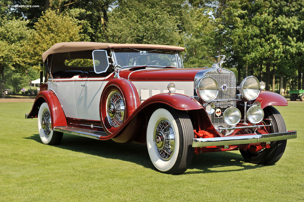 Nice Images Collection: 1931 Cadillac V12 Desktop Wallpapers
