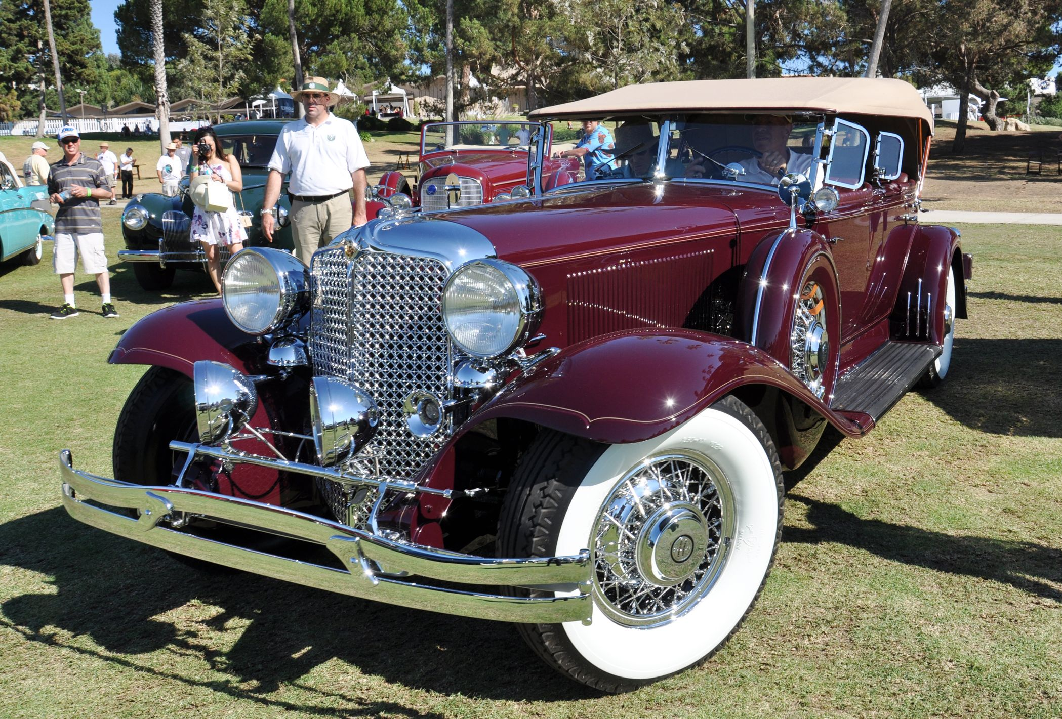 1931 Chrysler Imperial Backgrounds, Compatible - PC, Mobile, Gadgets| 2098x1421 px