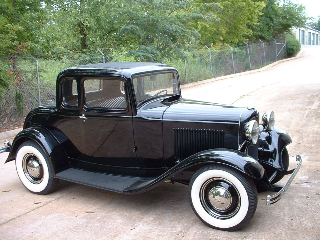 1280x960 > 1932 Ford Five Window Coupe Wallpapers