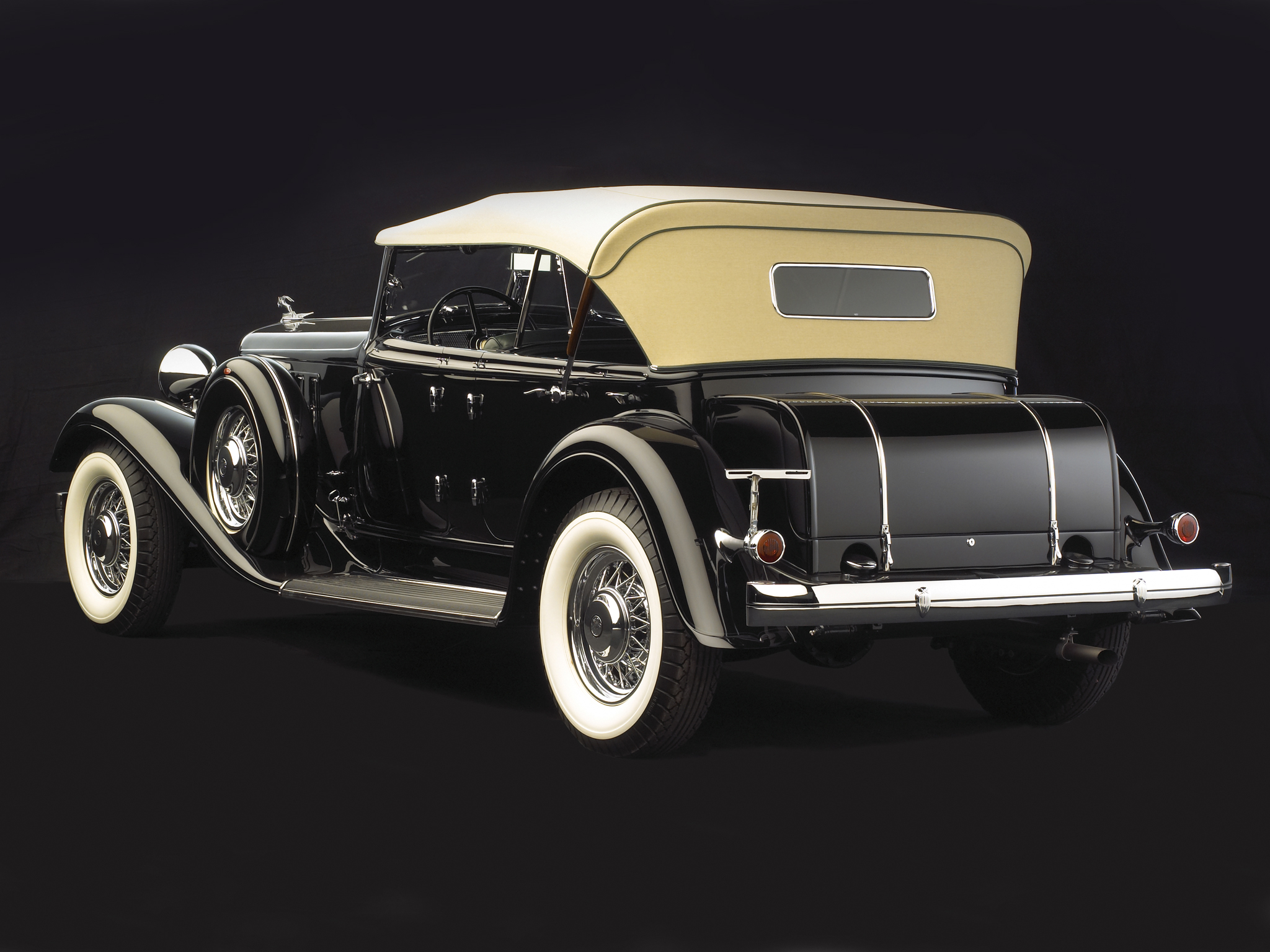 Nice Images Collection: 1933 Chrysler Cl Imperial Sport Phaeton Desktop Wallpapers