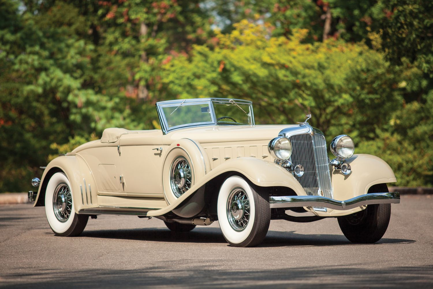 Nice Images Collection: 1933 Chrysler Imperial Desktop Wallpapers