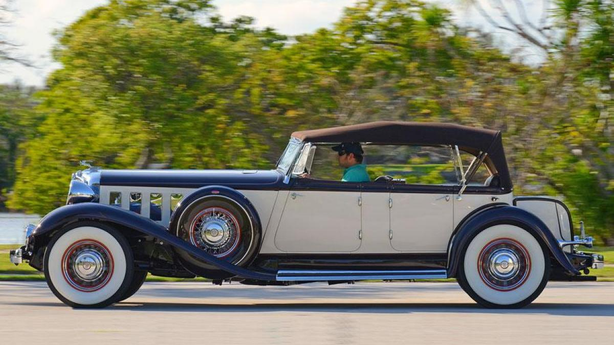 1933 Chrysler Imperial Backgrounds on Wallpapers Vista