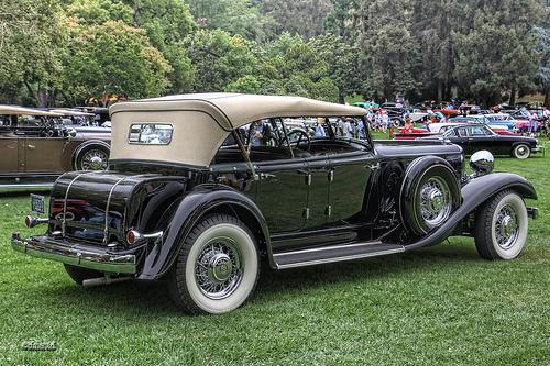 HQ 1933 Chrysler Imperial Wallpapers   File 165.09Kb