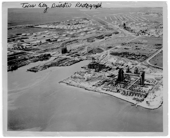 Images of 1947 Texas City Disaster | 700x568