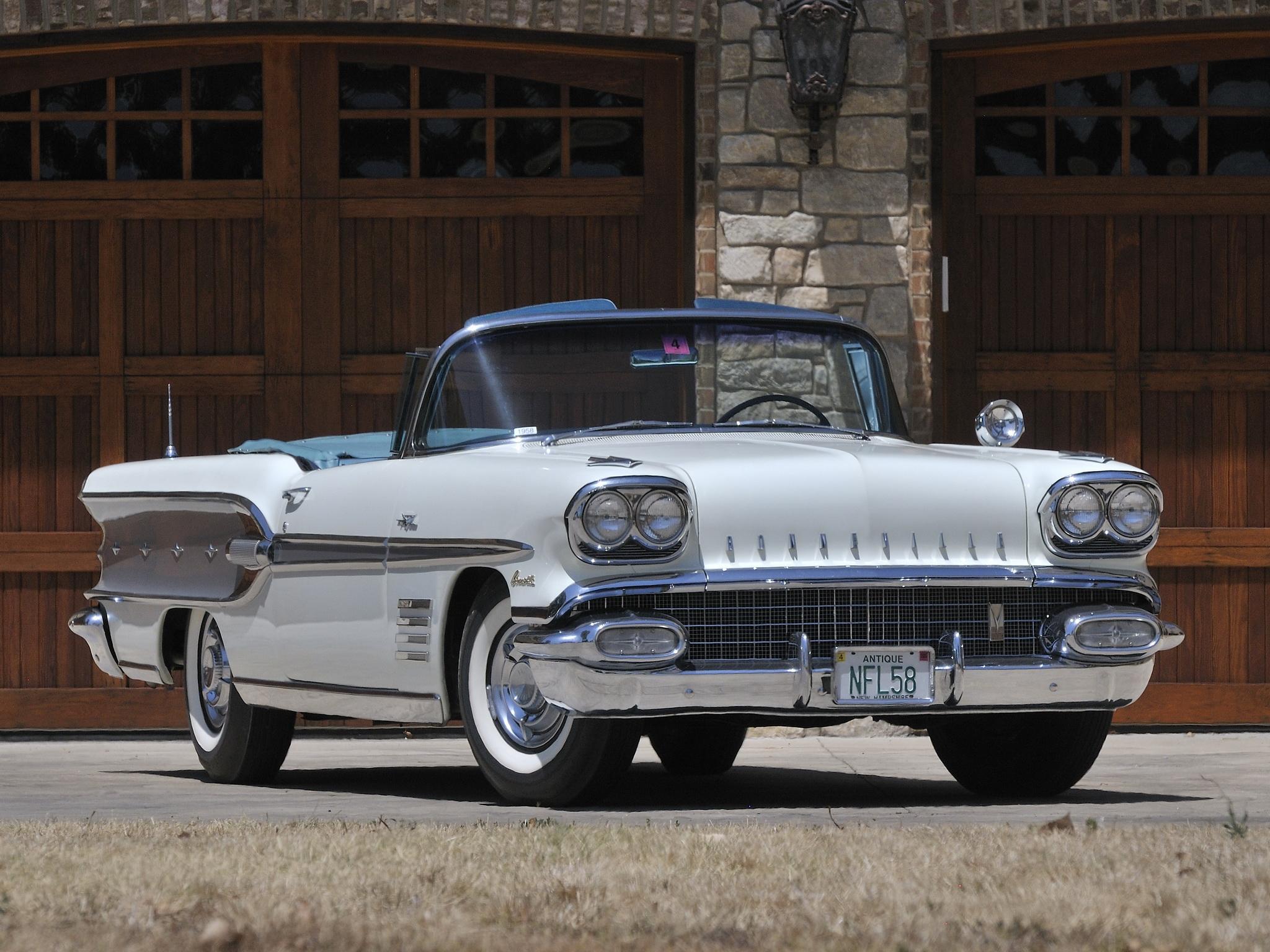 Images of 1958 Pontiac Bonneville   2048x1536