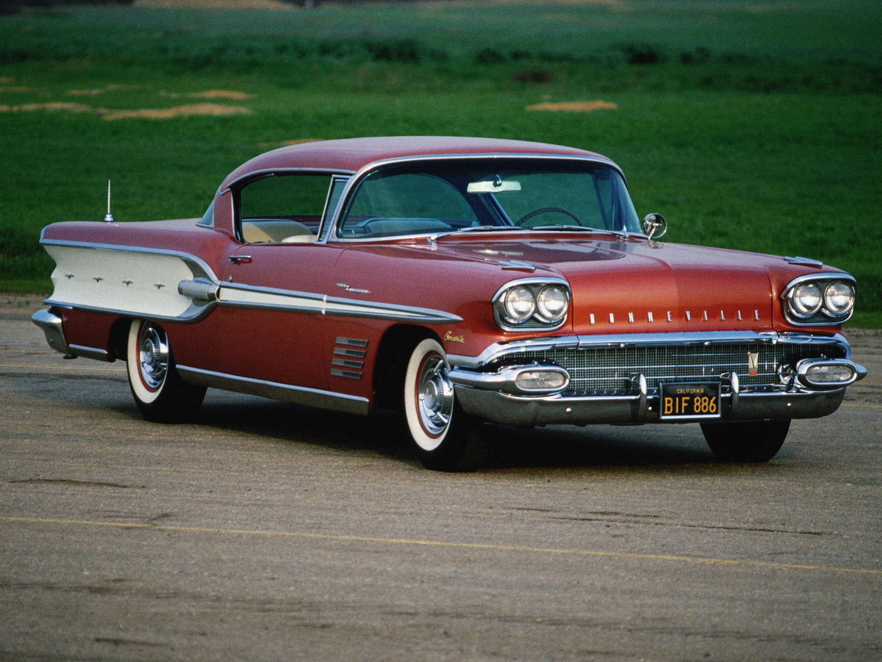 HQ 1958 Pontiac Bonneville Wallpapers | File 320.37Kb