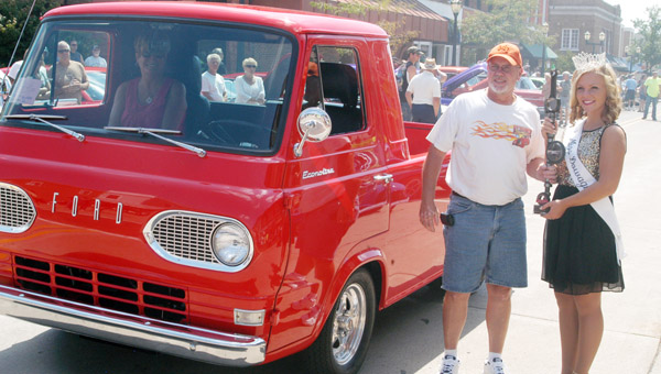 Images of 1961 Ford Econoline | 600x340