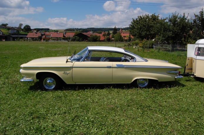 694x461 > 1961 Plymouth Fury Coupe Wallpapers