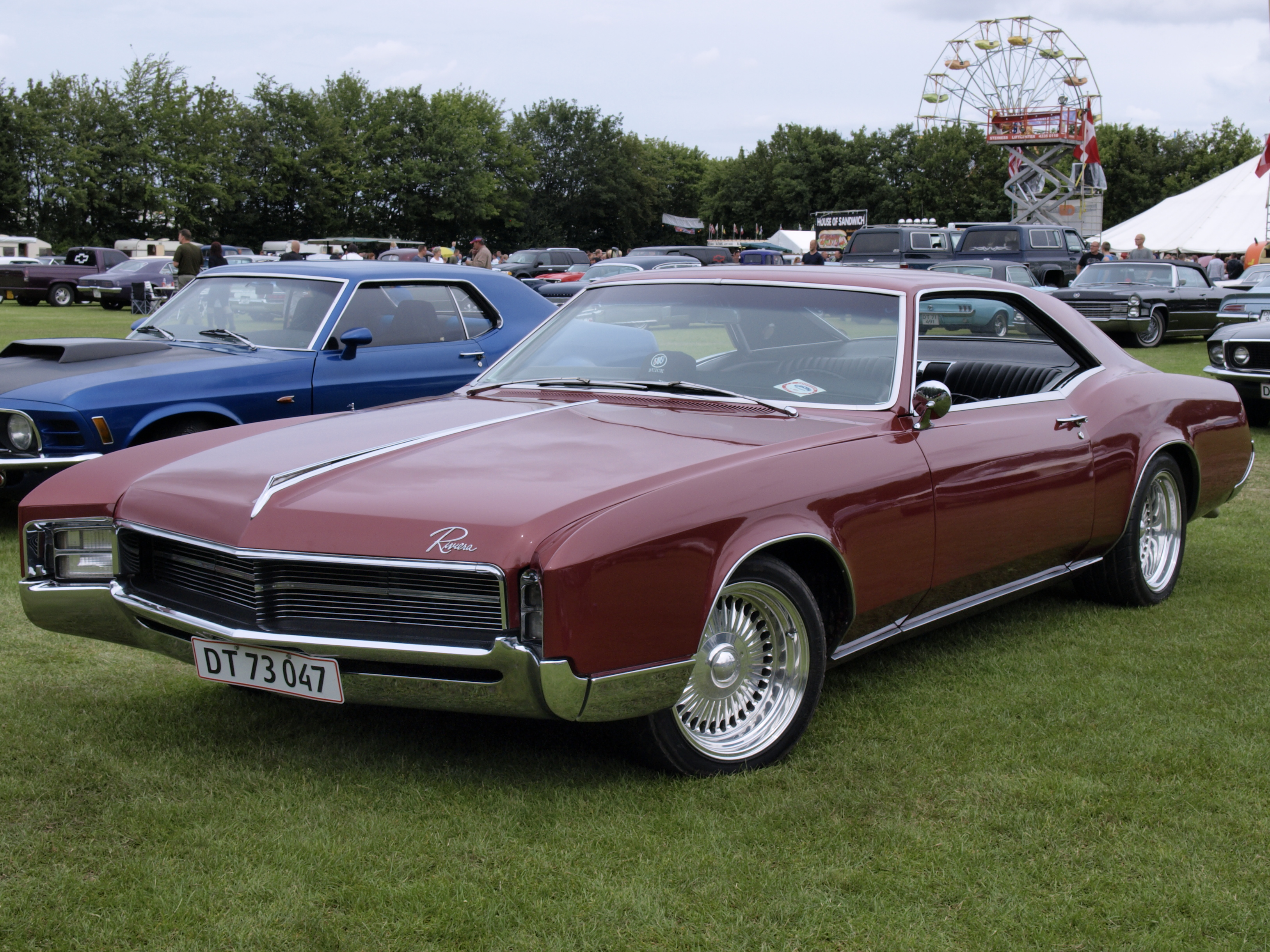 3255x2441 > 1967 Buick Riviera Wallpapers