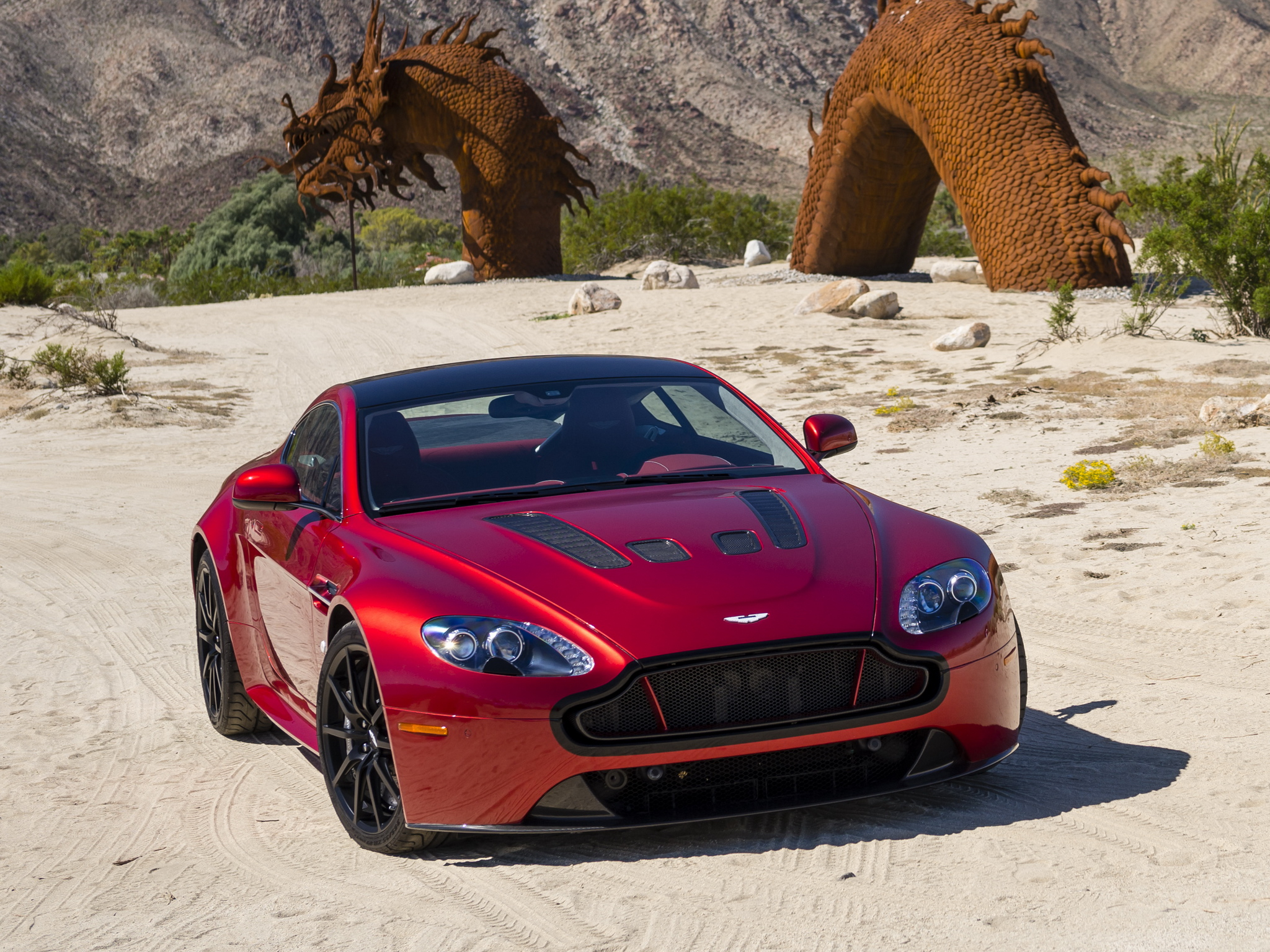 Nice Images Collection: 2014 Aston Martin V12 Vantage S Desktop Wallpapers