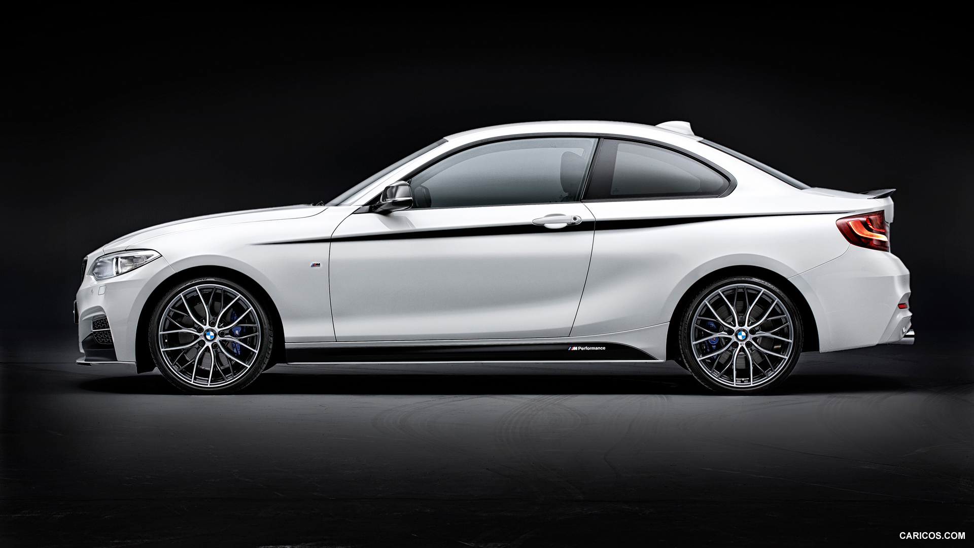 HQ 2014 BMW 2 Series Coupe Wallpapers | File 574.15Kb