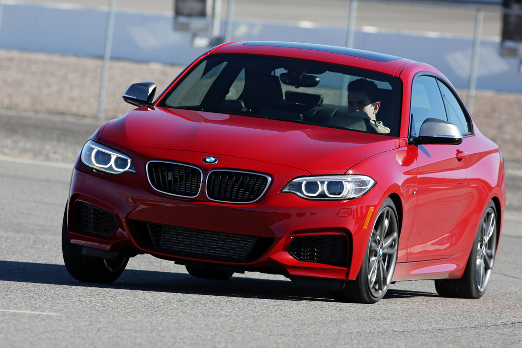 Amazing 2014 BMW M235i Coupe Pictures & Backgrounds