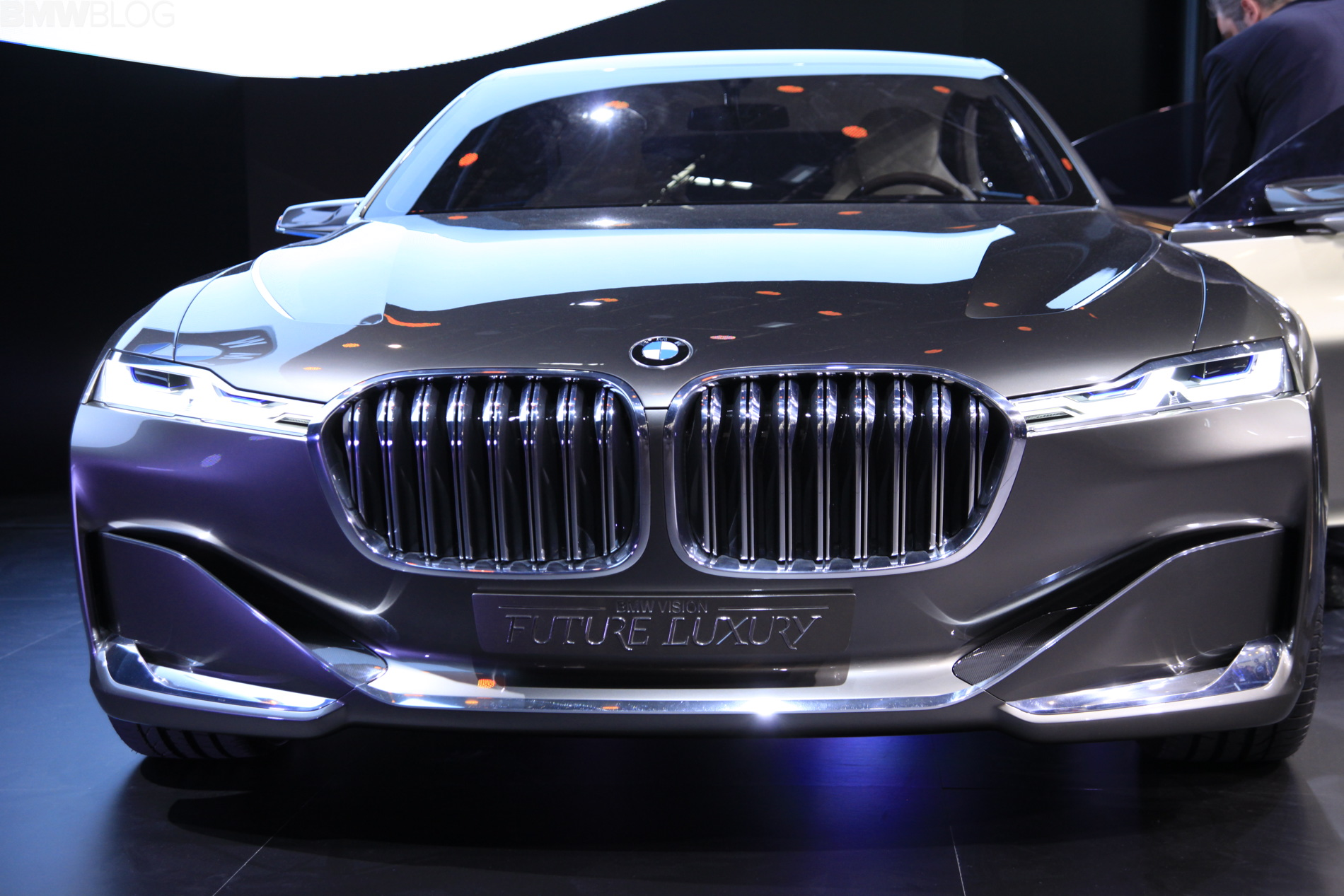 HQ 2014 Bmw Vision Future Luxury Concept Wallpapers   File 481.38Kb