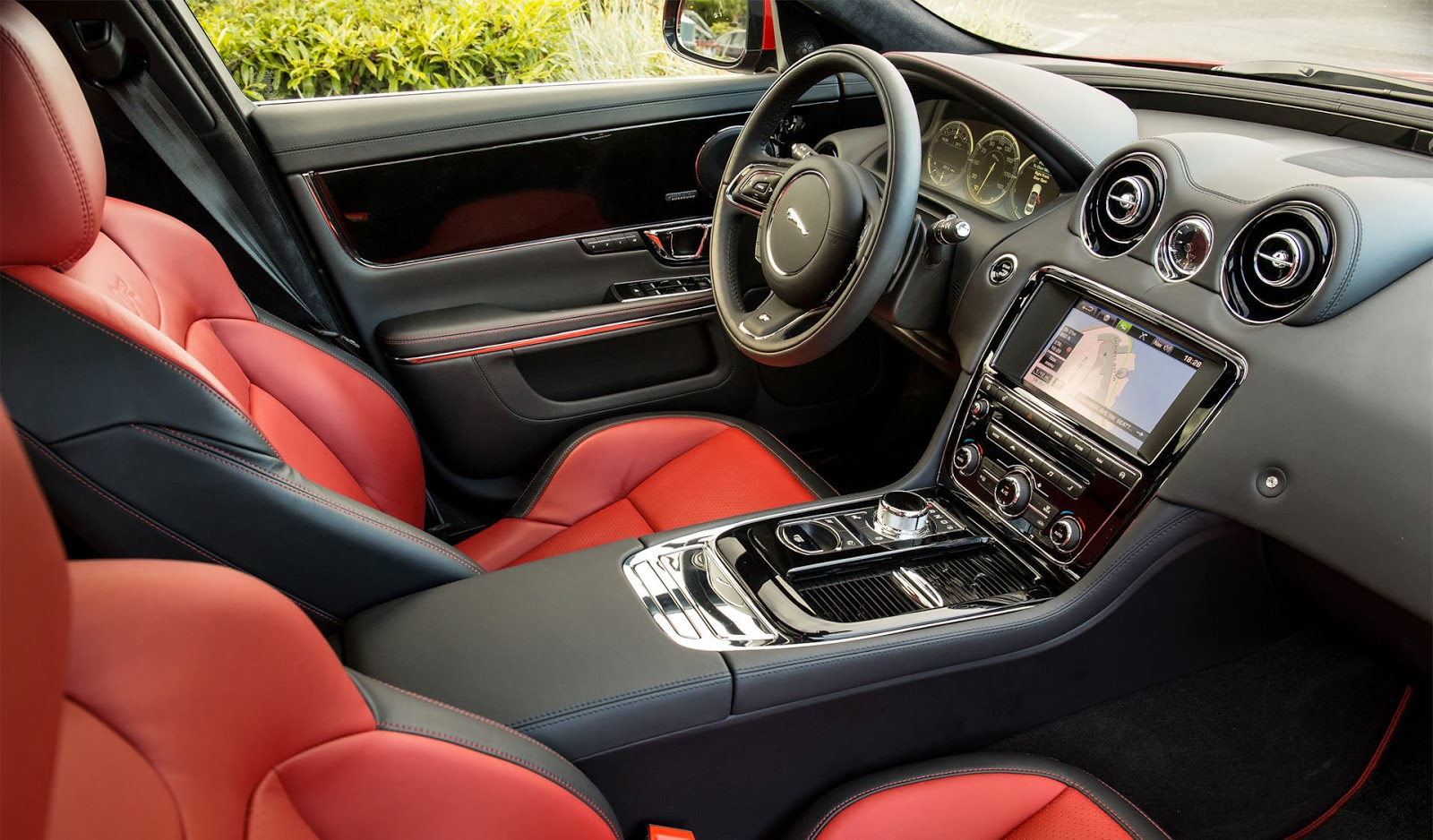 1600x938 > 2014 Jaguar XJR Long Wheelbase Wallpapers