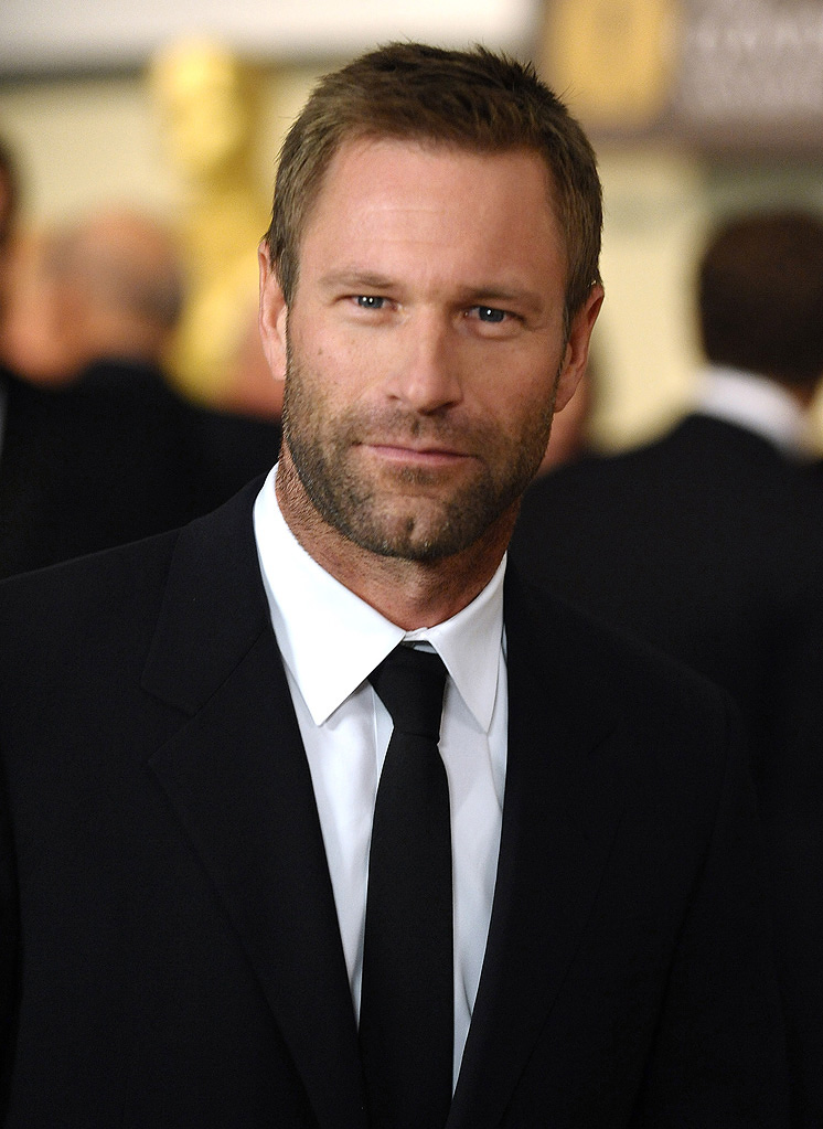 High Resolution Wallpaper | Aaron Eckhart 746x1023 px