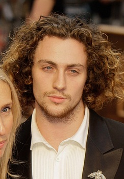 243x350 > Aaron Taylor-Johnson Wallpapers