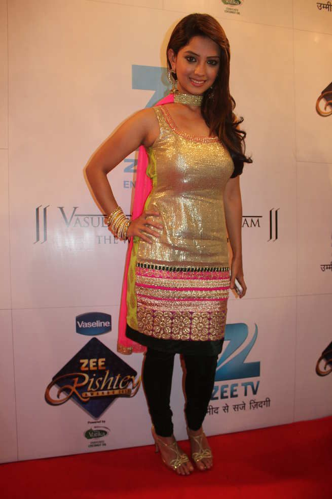 Amazing Adaa Khan Pictures & Backgrounds