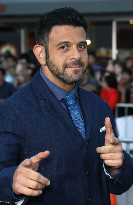 High Resolution Wallpaper | Adam RIchman 455x700 px