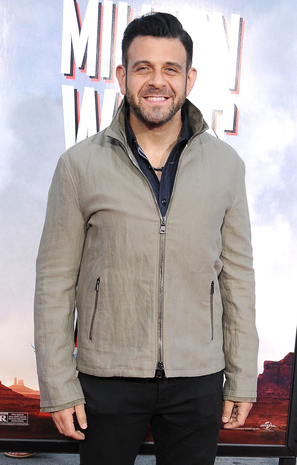 1000x1565 > Adam RIchman Wallpapers