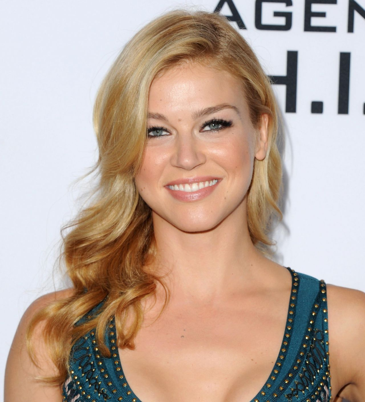 1280x1409 > Adrianne Palicki Wallpapers