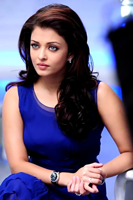 High Resolution Wallpaper | Aishwarya Rai 550x830 px