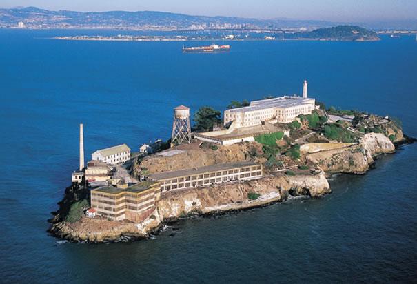605x412 > Alcatraz Wallpapers