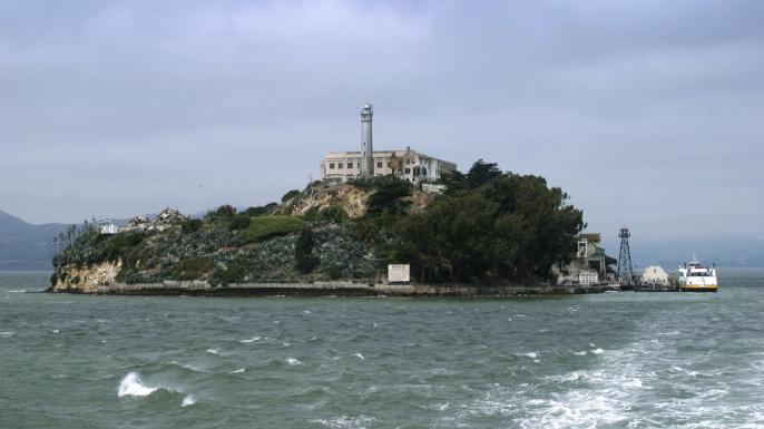 HD Quality Wallpaper | Collection: TV Show, 686x385 Alcatraz