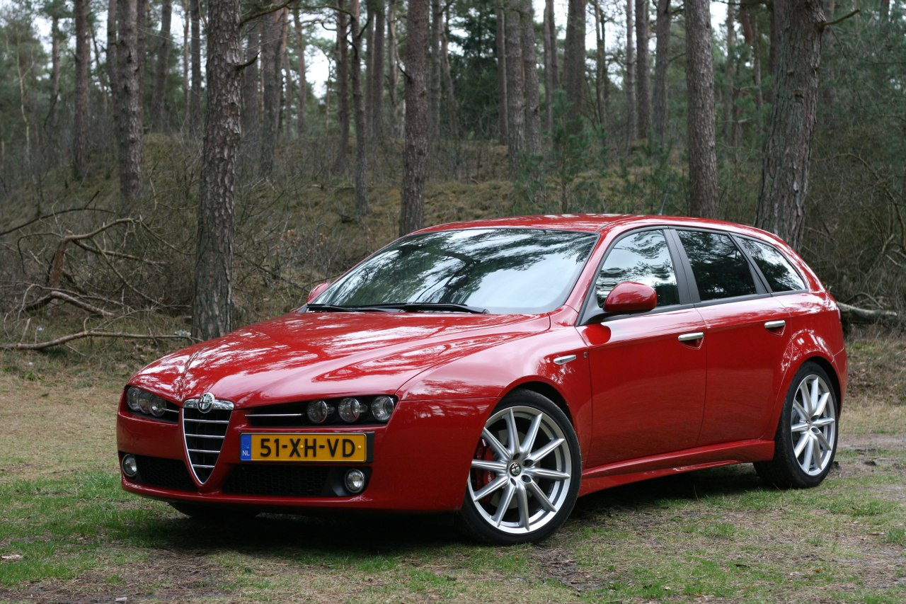Most Viewed Alfa Romeo 159 Sportwagon Wallpapers 4k Wallpapers