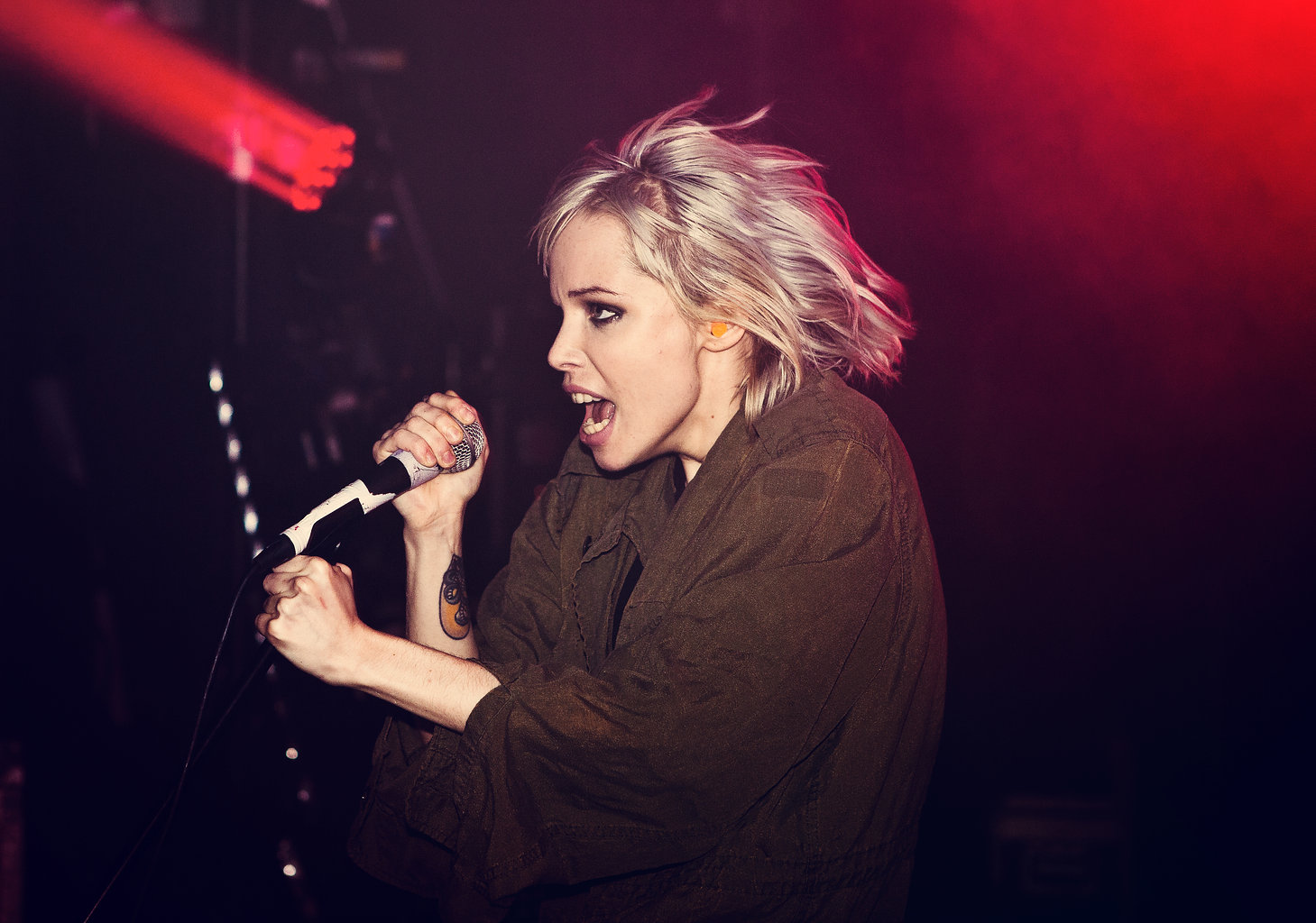 Alice glass, pusy pakistan