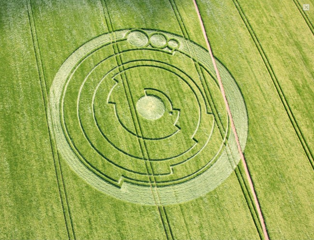 Amazing Alien Circles Pictures & Backgrounds