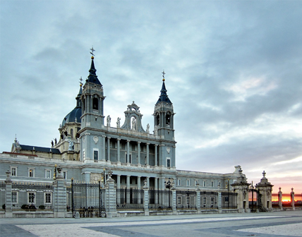 Almudena Cathedral Backgrounds on Wallpapers Vista