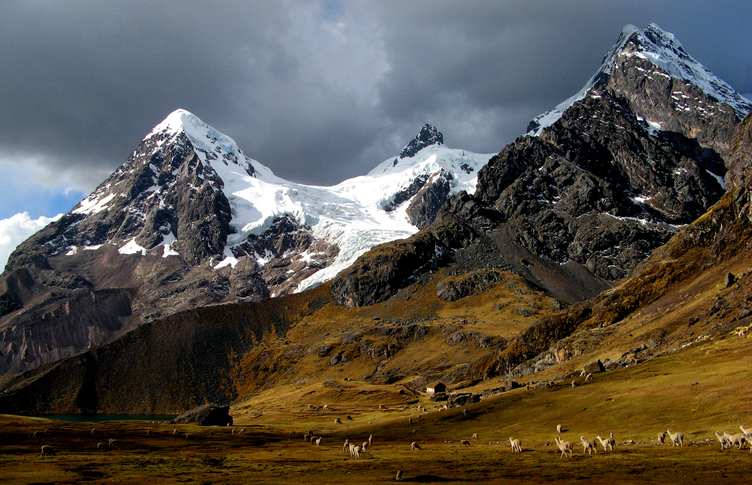 Amazing Andes Mountains Pictures & Backgrounds