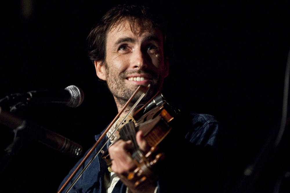 Amazing Andrew Bird Pictures & Backgrounds