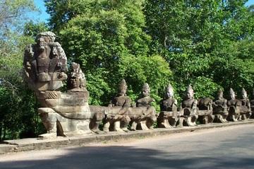 360x239 > Angkor Thom Wallpapers