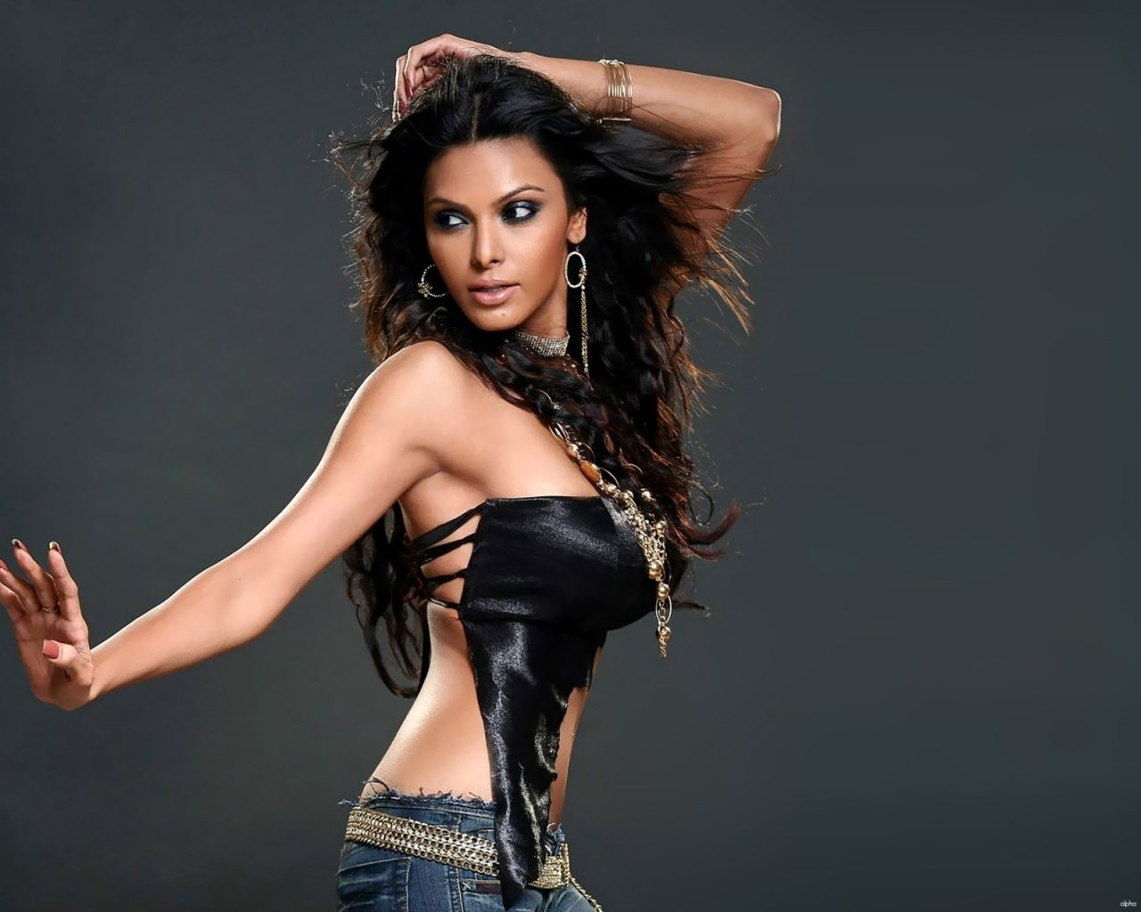 Malvika Rallan Backgrounds, Compatible - PC, Mobile, Gadgets| 1280x1024 px