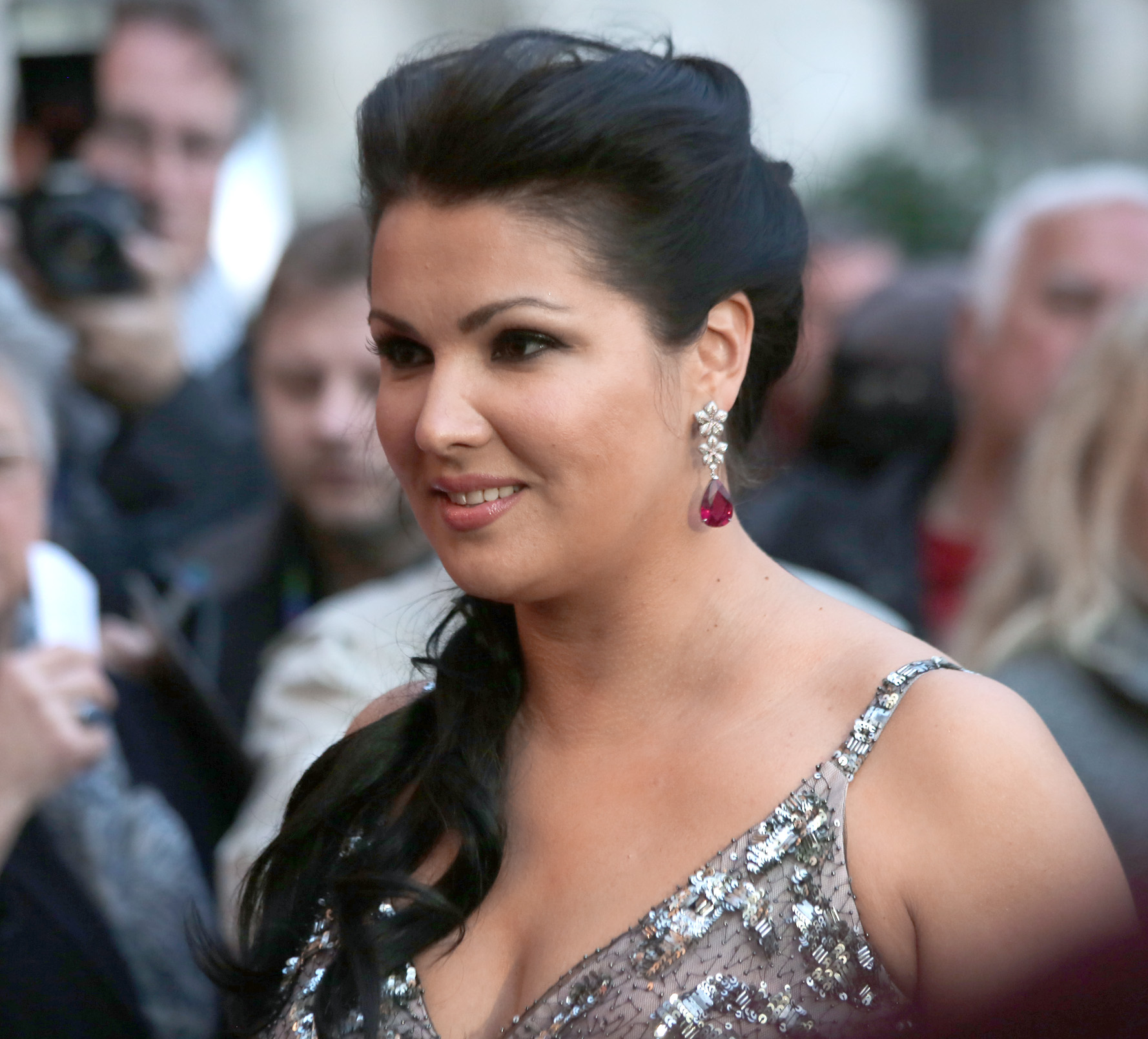 Amazing Anna Netrebko Pictures & Backgrounds
