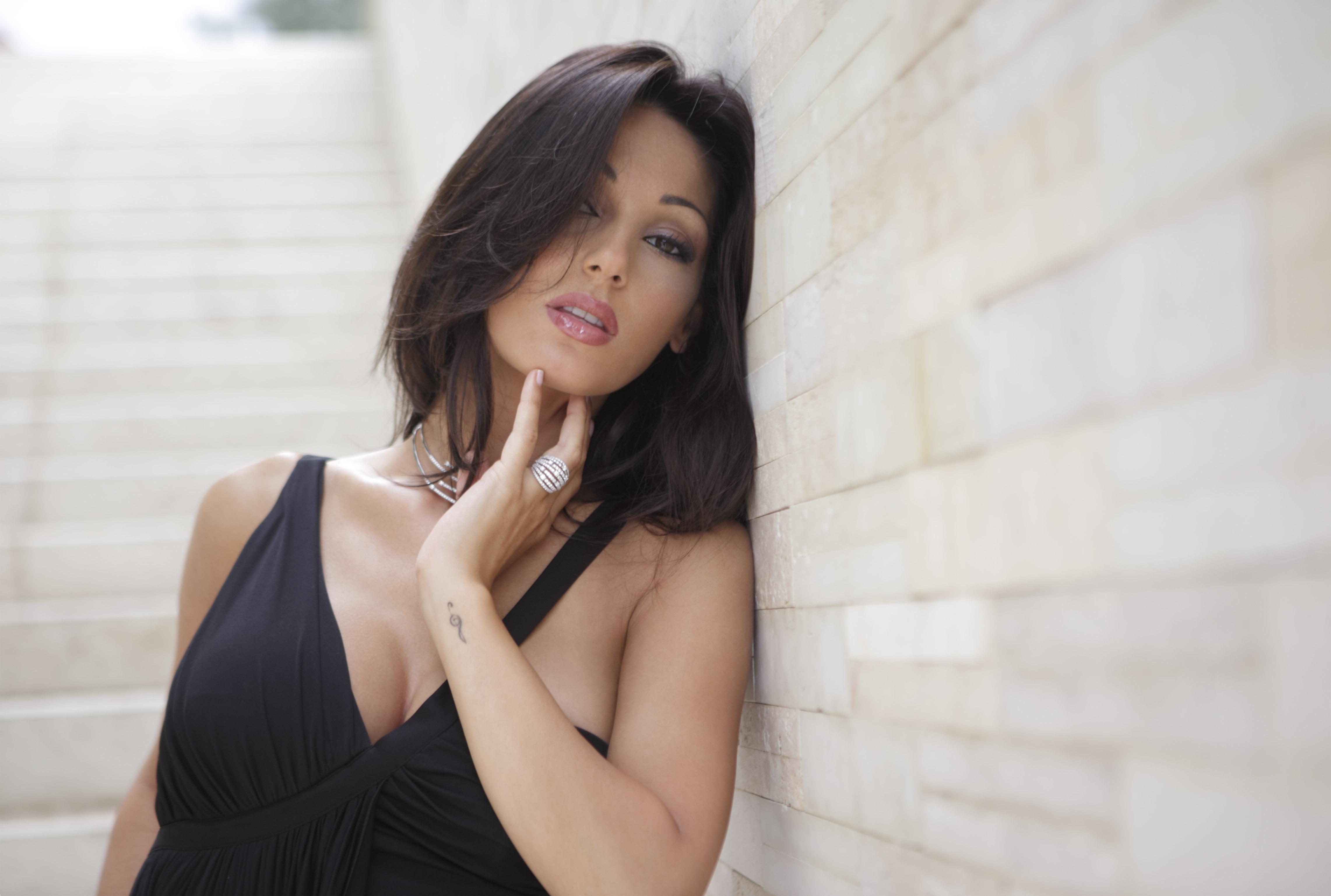 Фото красавицы анне лийс, две известные порно звезды жестко отодраны