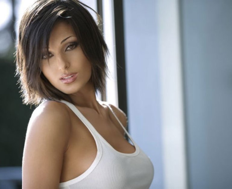 Anna Tatangelo High Quality Background on Wallpapers Vista