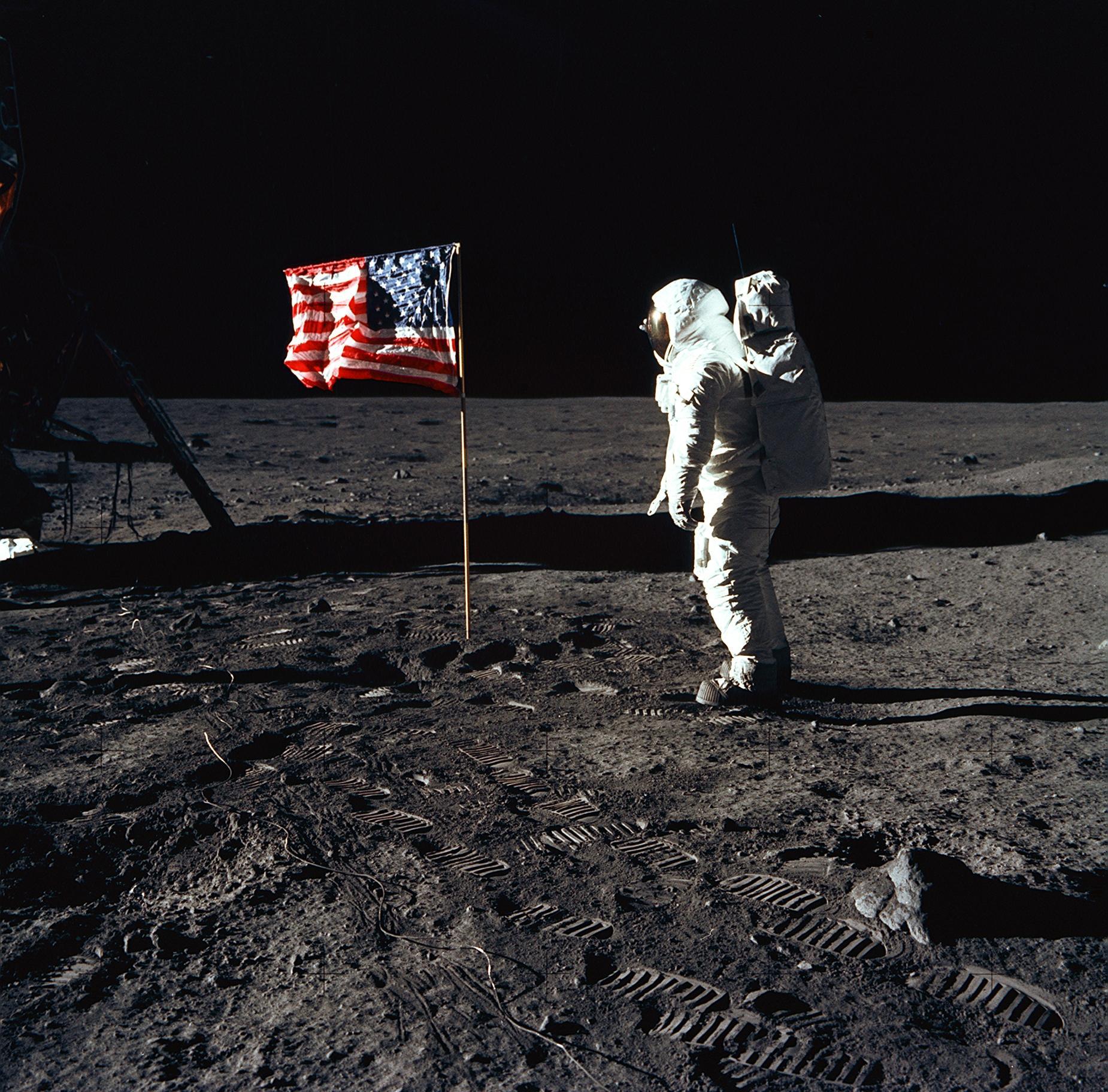 Images of Apollo 11 | 1850x1823