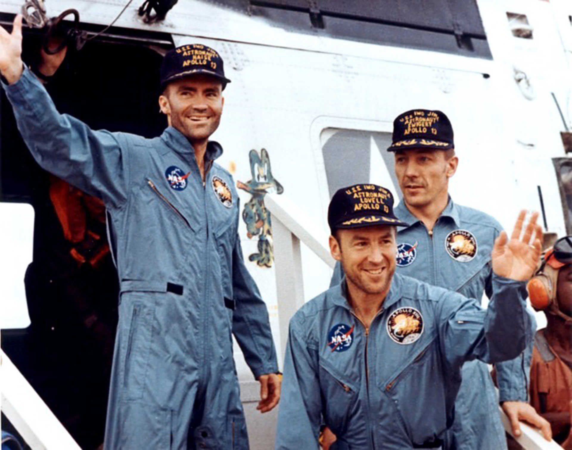 Amazing Apollo 13 Pictures & Backgrounds