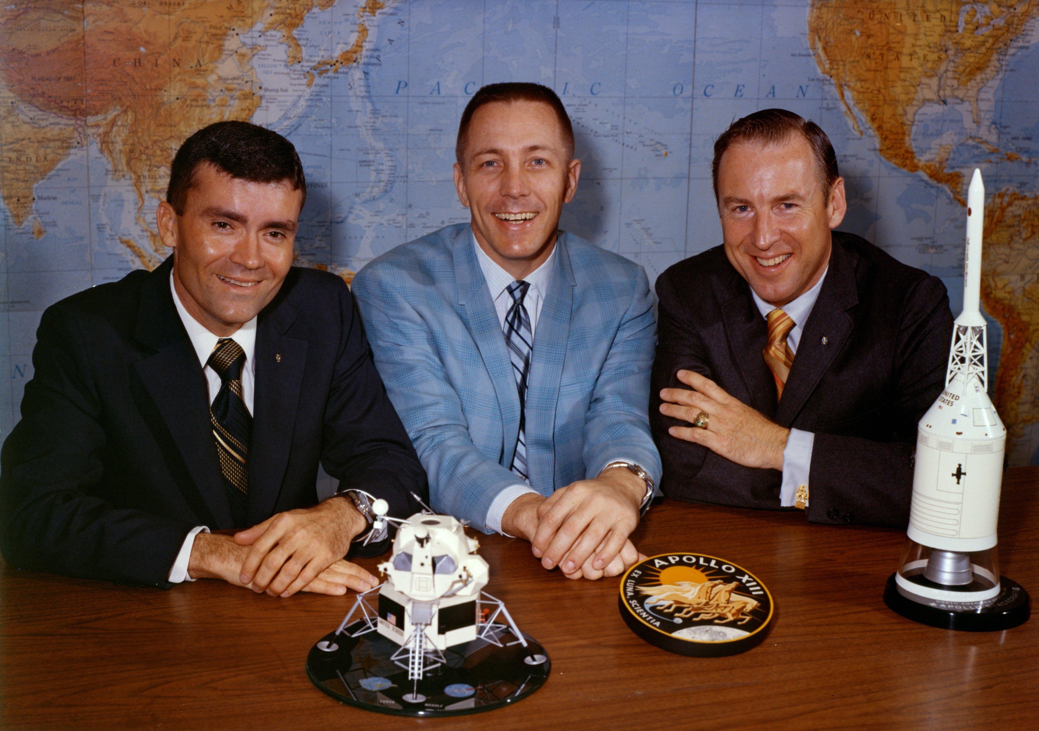 High Resolution Wallpaper | Apollo 13 3592x2528 px