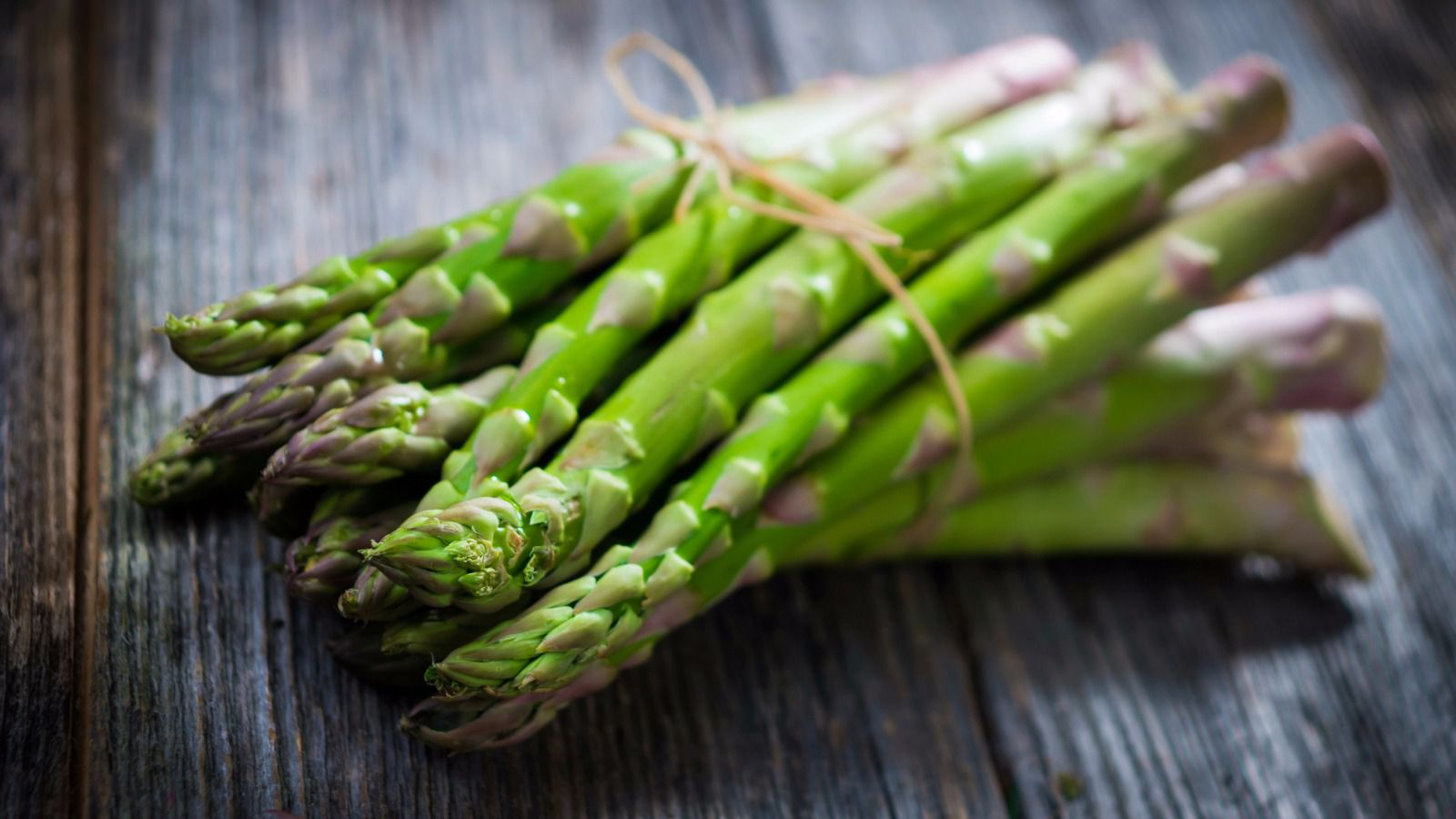 HD Quality Wallpaper | Collection: Food, 1600x900 Asparagus