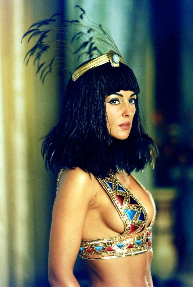 HD Quality Wallpaper | Collection: Movie, 672x1000 Asterix & Obelix: Mission Cleopatra